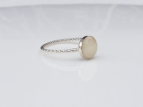 Twist milkdrop ring