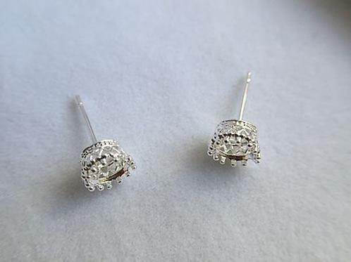 Crown milkdrop earring