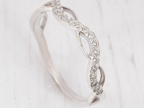 Half halo infinity twist band