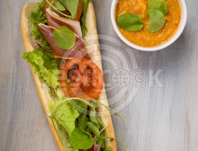 Sandwich de presunto