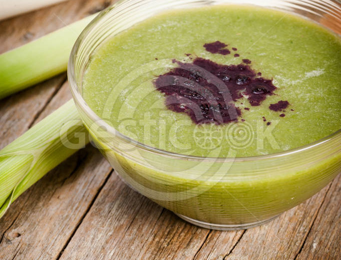 Sopa de alho porro e cebola