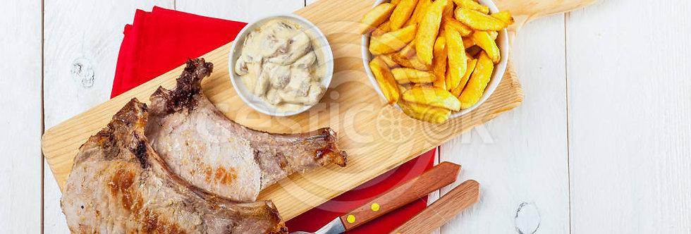 Costeletas e batatas fritas