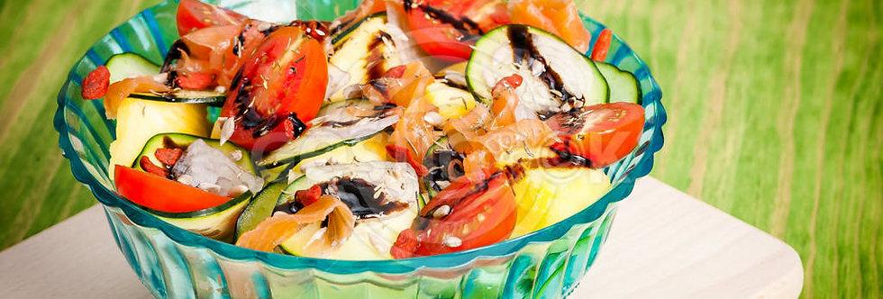 Salada de pepino e salmão