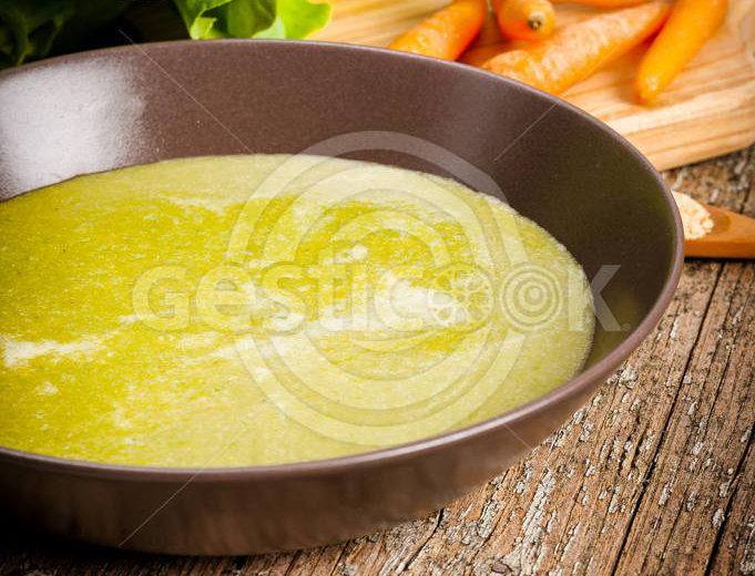Sopa de alface e cenoura