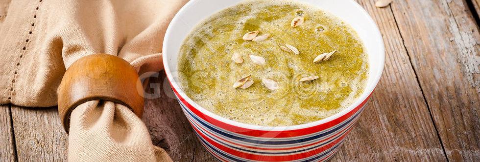 Sopa de aipo, alho francês, bróculos e pevíde de abóbora