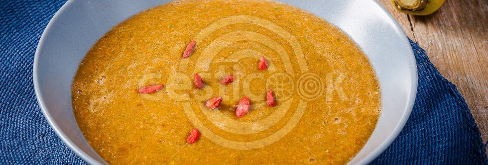 Sopa de pimento vermelho e goji