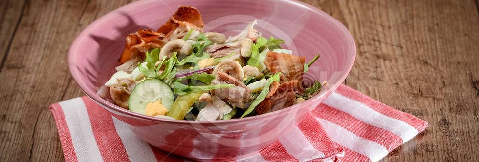 Salada de leitão, rucula, caju e amendoim
