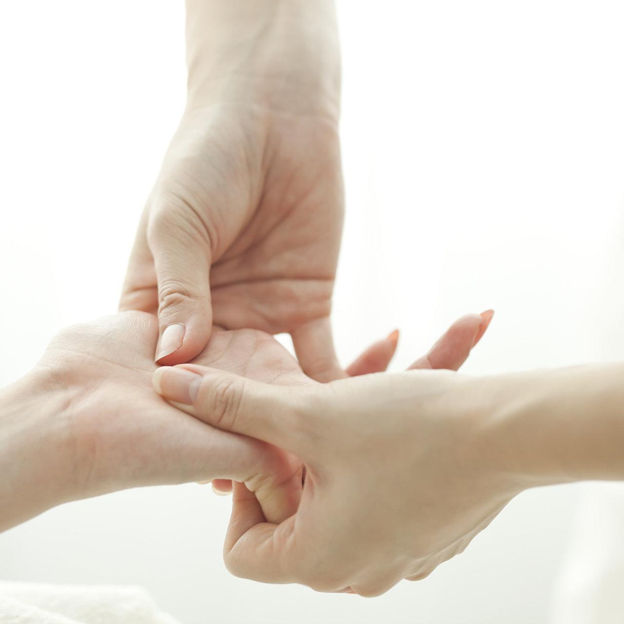 60 min. Hand Reflexology Session