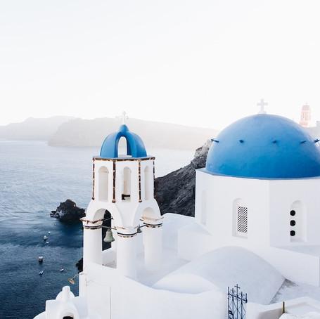 Why Santorini is an Increasingly Popular Holiday Destination
