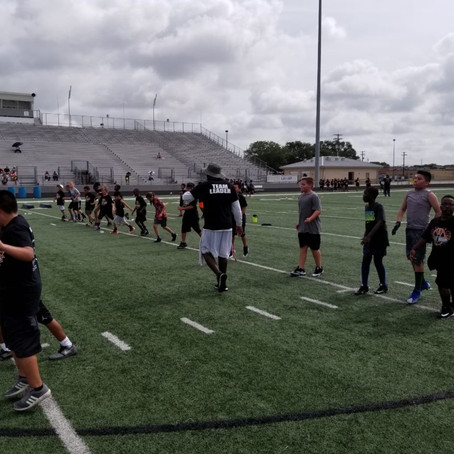 Tampa Bay Buccaneers JacQuizz Rodgers Hosts his Youth Football Camp
