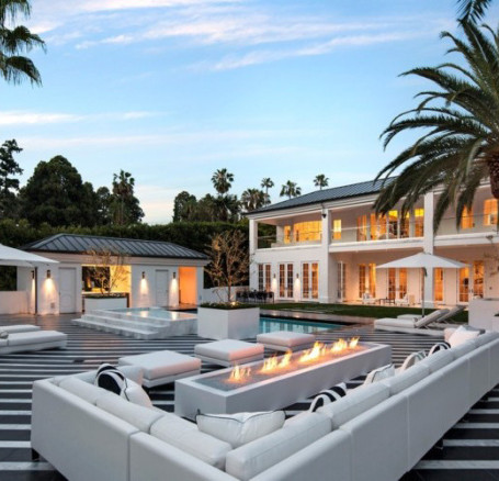 The Gent Who Spent: Floyd Mayweather Buys a New House