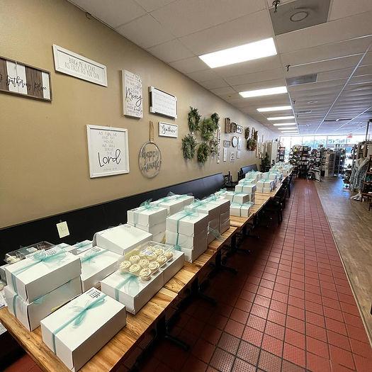 Betty Cakes Bakery. Best Bakery in Ocala!