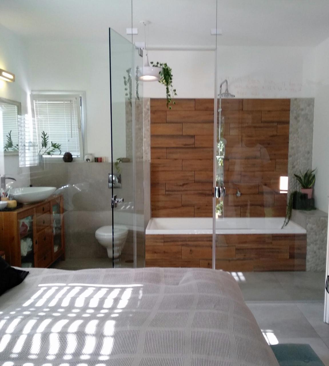 אמבטיה סוויטת ההורים