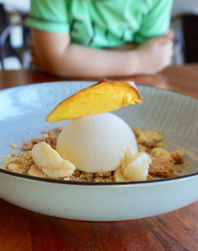 Mango parfait, lemon curd, sablé