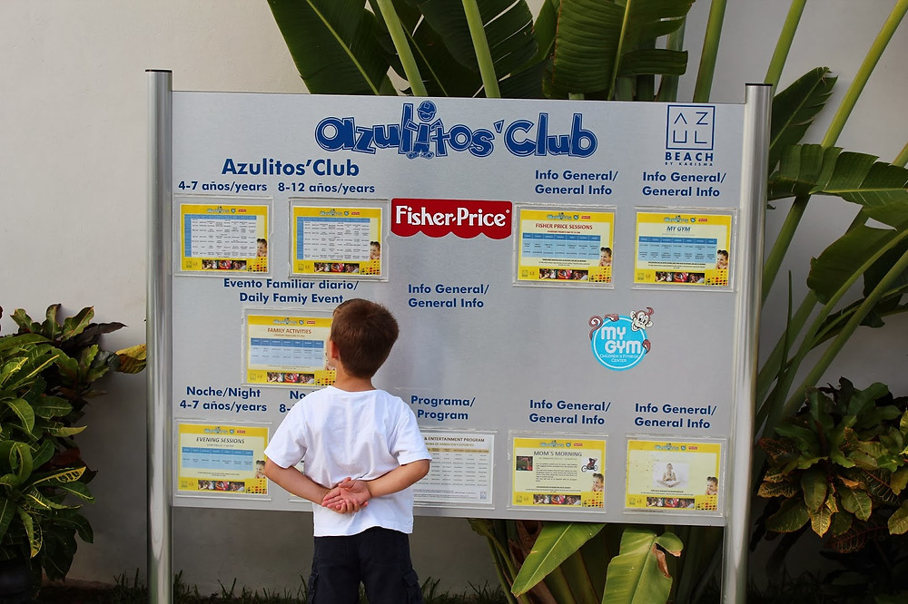 B checking out the Azulitos Club's activities for the day.