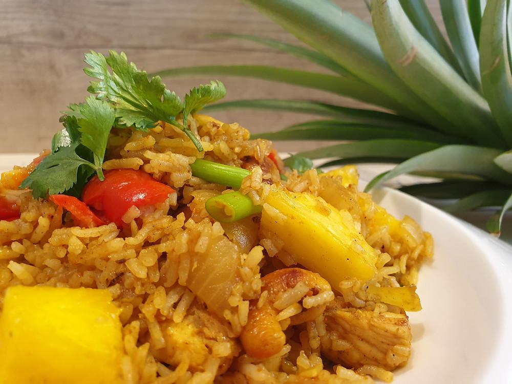 אורז מוקפץ עם אננס המתכון מתאים לילדים ומבוגרים עם התאמה לצמחונים