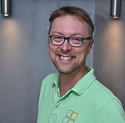 Zahnarzt Bernd Single.JPG