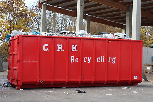 beladener Container mit Müll.JPG