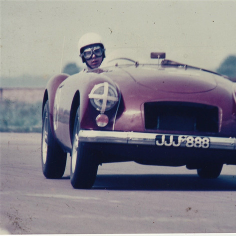 Snetterton - Early racing shot with the MGA Twin Cam