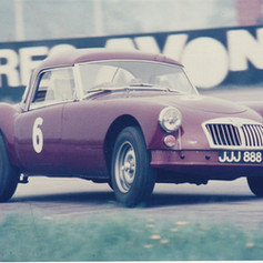 Race Day - Rob Davis at #Silverstone #MGCC late 1960's JJJ888