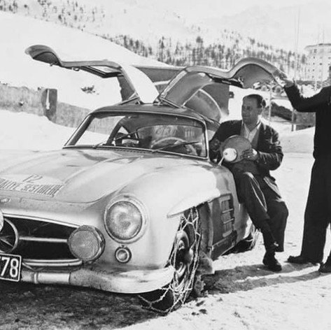 Mercedes Gullwing - Pair of Whips (and Chains!)