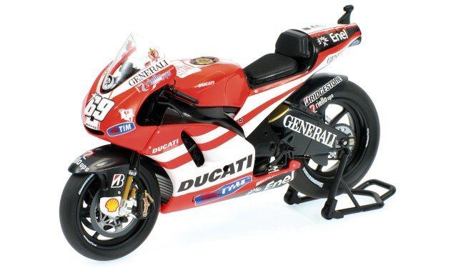 Nicky Hayden 2011 Minichamps Ducati