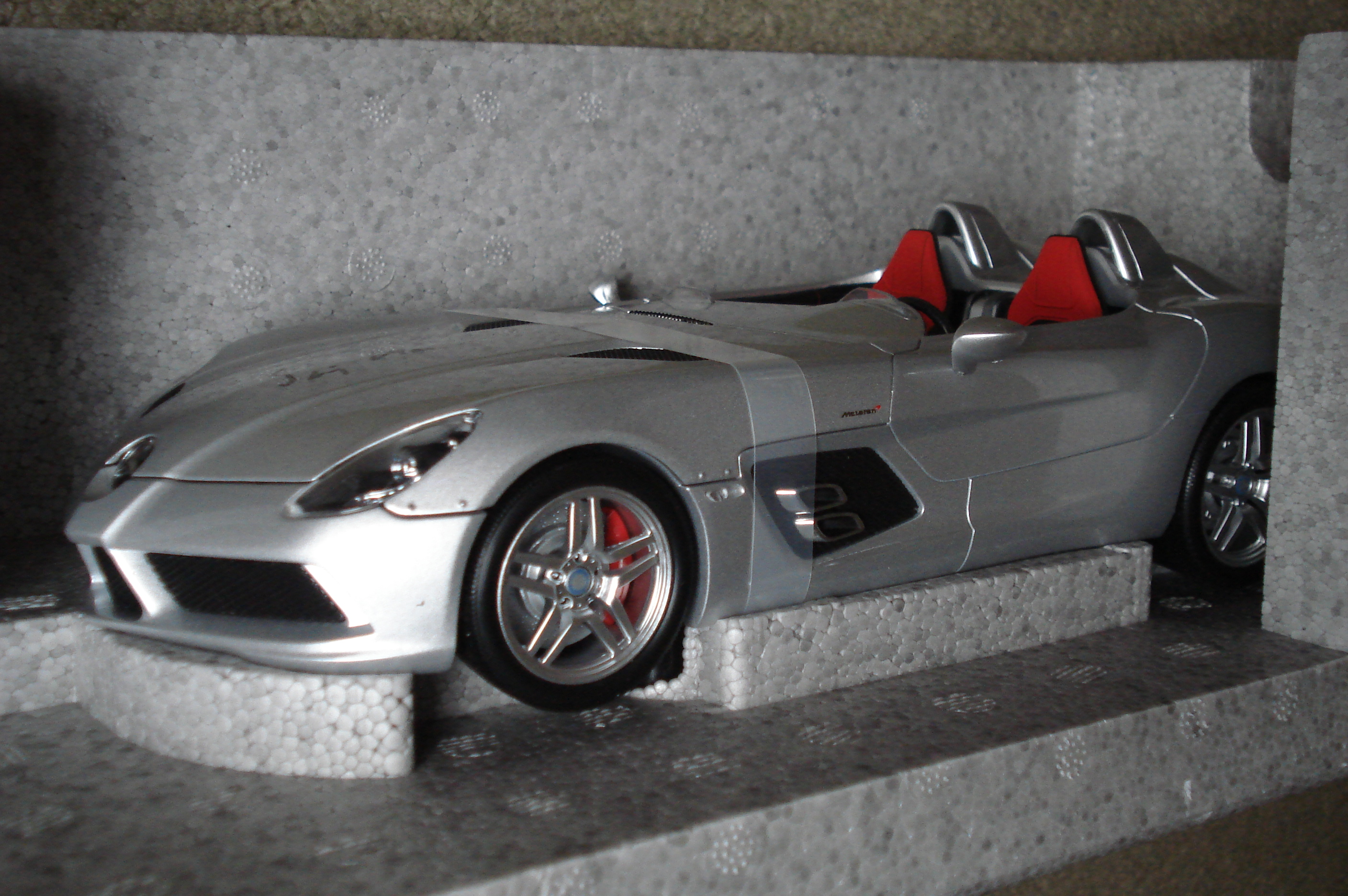 Stirling Moss Signed Minichamps SLR