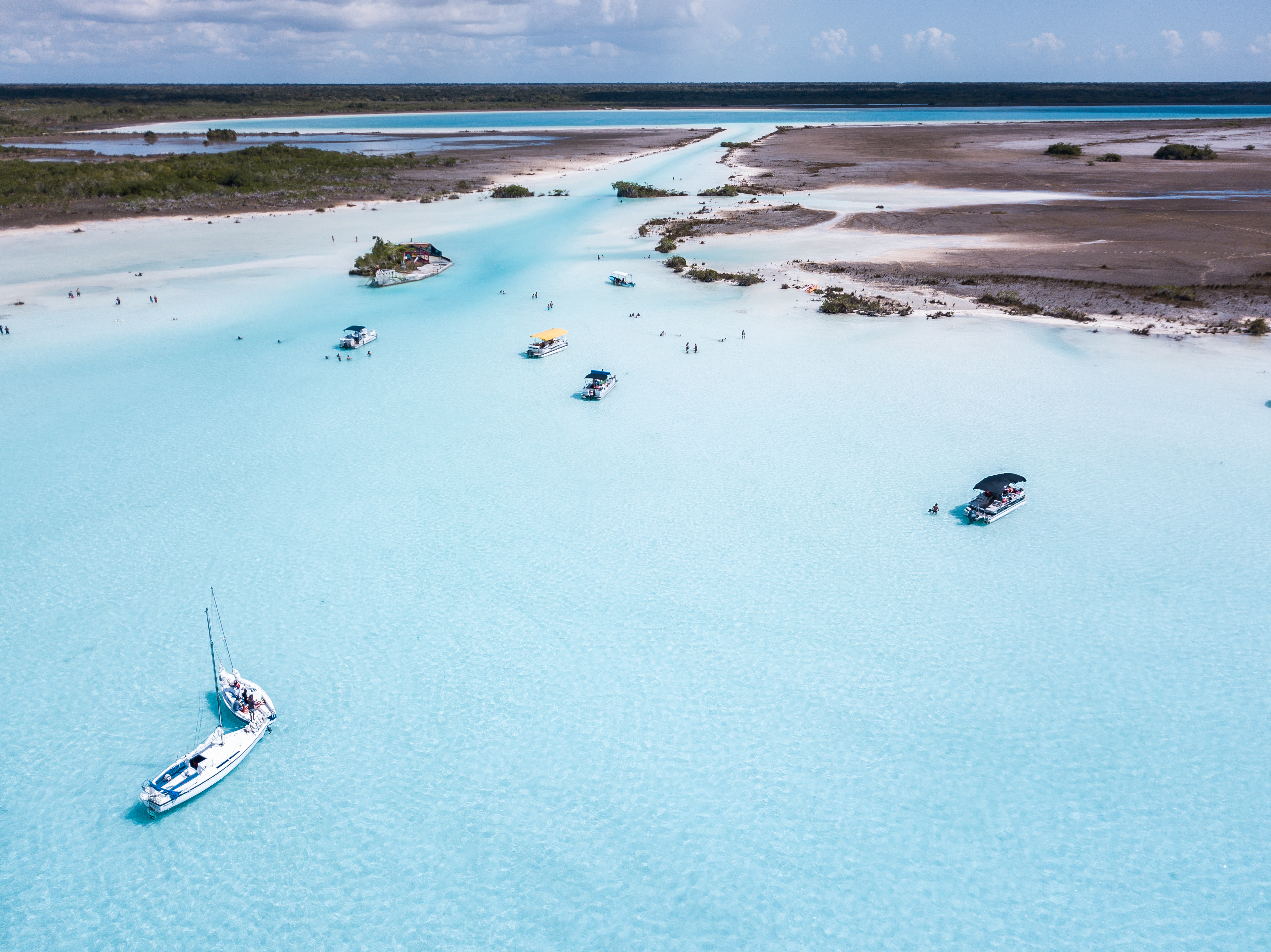 Canal de los Piratas Lagoon Bacalar Mexi