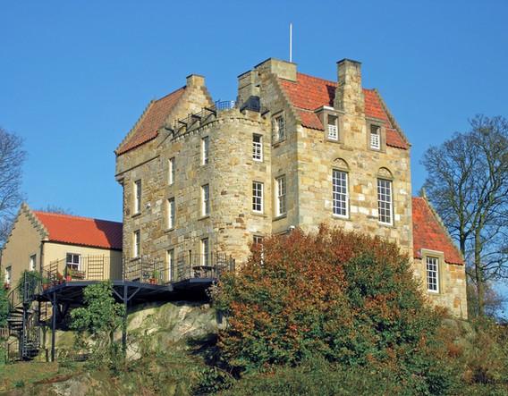 Easterheughs_Castle_-_Cottages_&_Castles