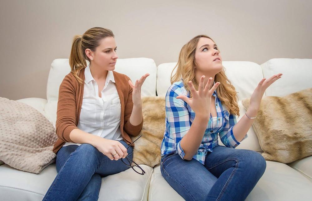 genitori e figli adolescenti, lite, stress, arrabbiarsi, conflitto, famiglia, disagio,