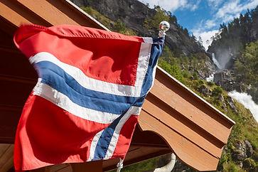 norwegian-twin-waterfall-norway-flag-lat