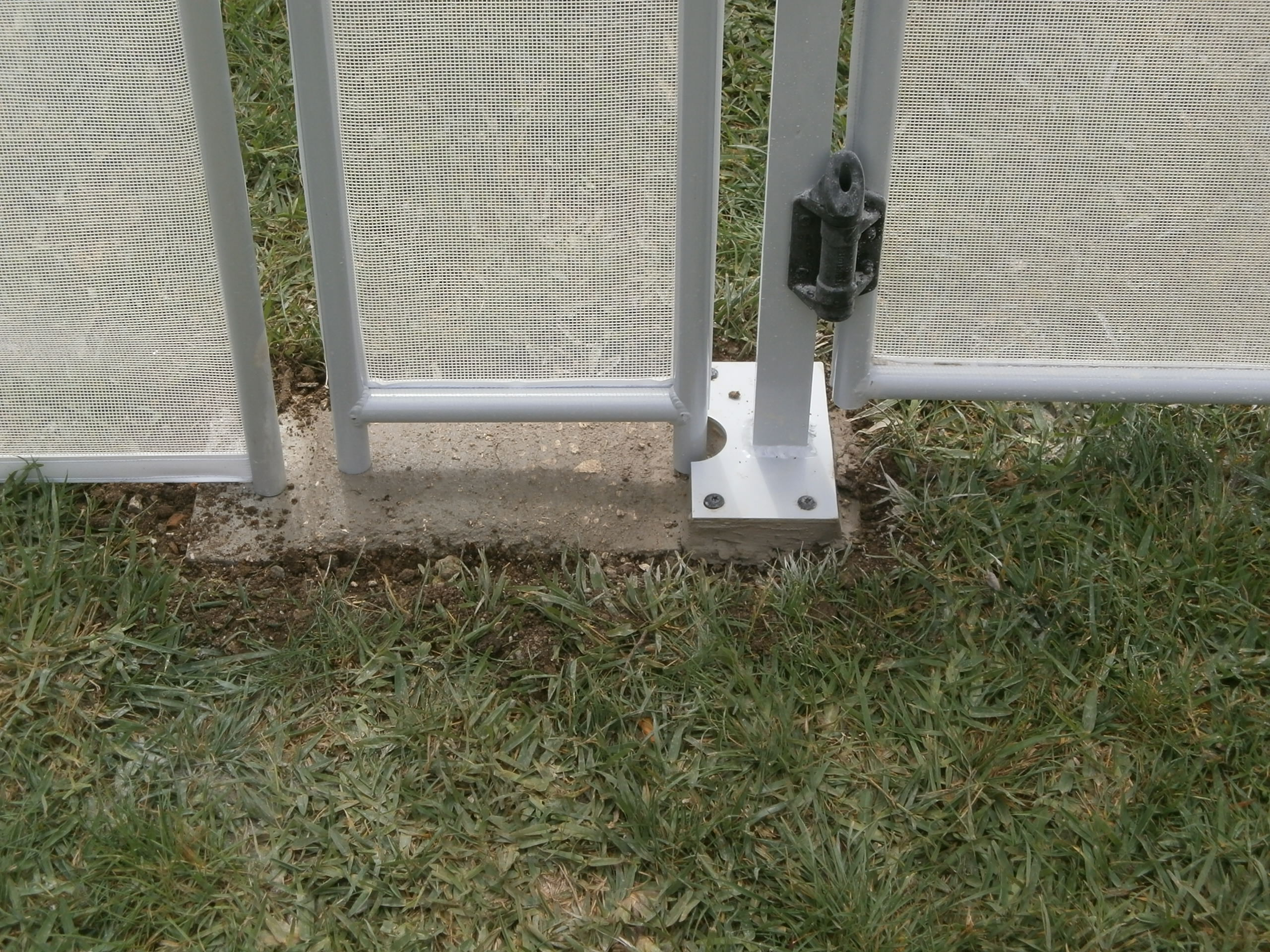 pool fence foundations006.JPG