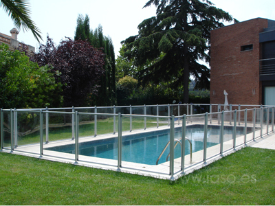 Plexiglass Pool Fencing
