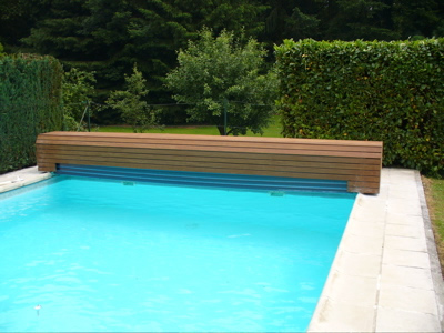 Automatic Pool over with Bench