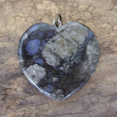 Opale bleue cœur