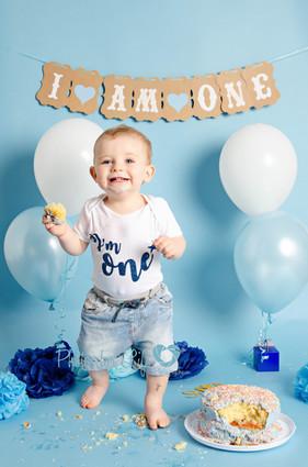 Boy cake smash Glasgow blue