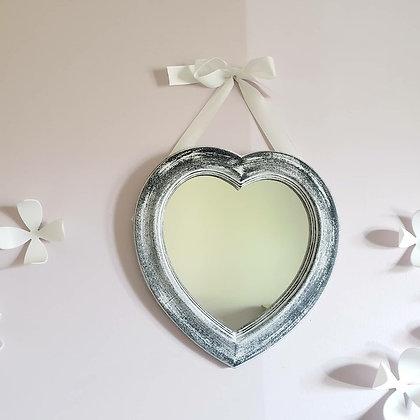 Espejo corazón gris