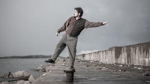 Eu, Cata-vento e o novo voo solo de Juliano Holanda