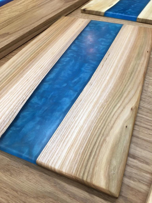 Medium Blue Solid Oak Resin Chopping Board