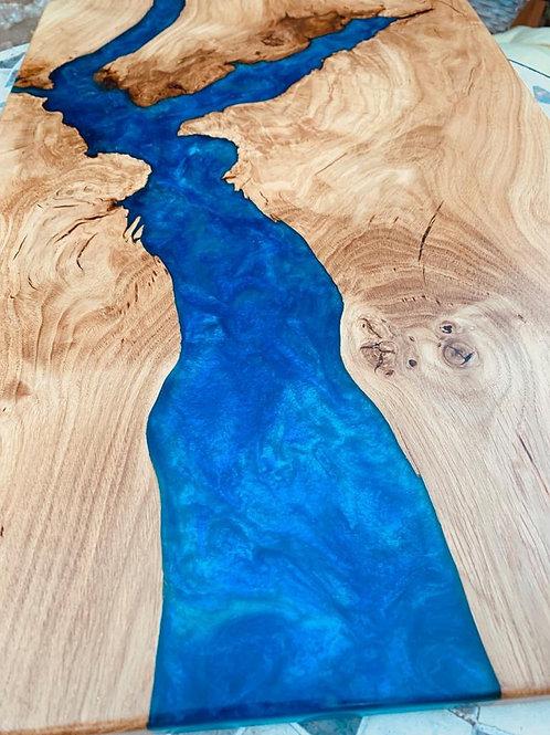Oak resin chopping board - metallic blue