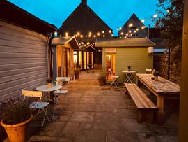 The Hollybush Witney - Garden Dining Houses