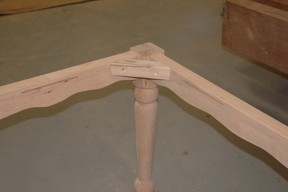 Cherry 4-leg and Apron Base Detail