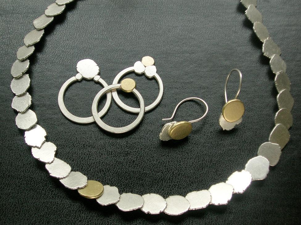 Neckpiece, rings and earrings