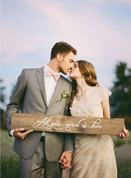 Plaquinhas de madeira para casamento