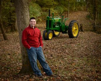 Senior Portrait in Evansville, IN by Bennett Photography