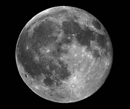 Full Moon in greyscale