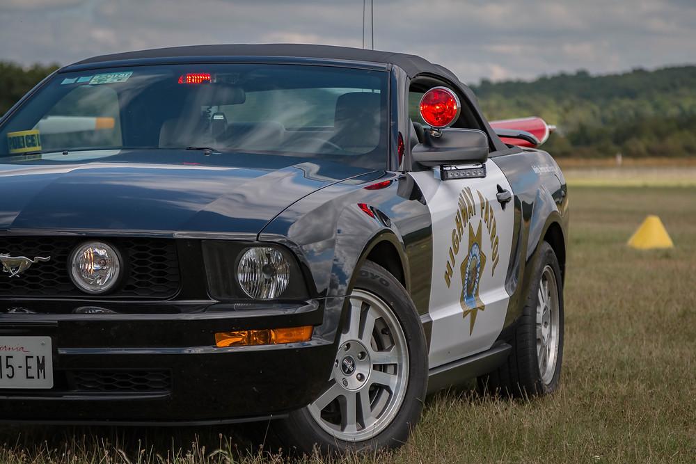 Prises de vues d'une Mustang Highway Patrol...