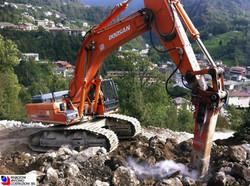 Zogno - Demolizione roccia lungo tracciato nuova strada provinciale