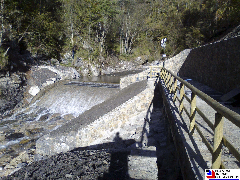 Taleggio (Fraz Pizzino) - Canale di presa centrale idroelettrica.jpeg