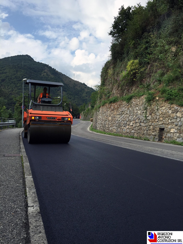 Zogno - asfaltatura a tappeto
